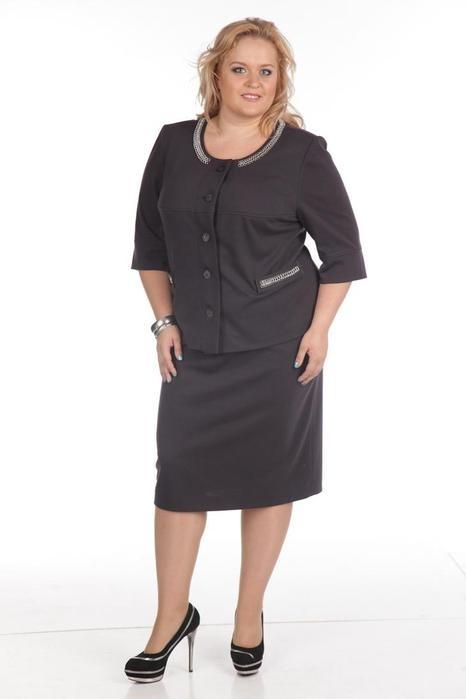 Для офисного костюма деловой женщины