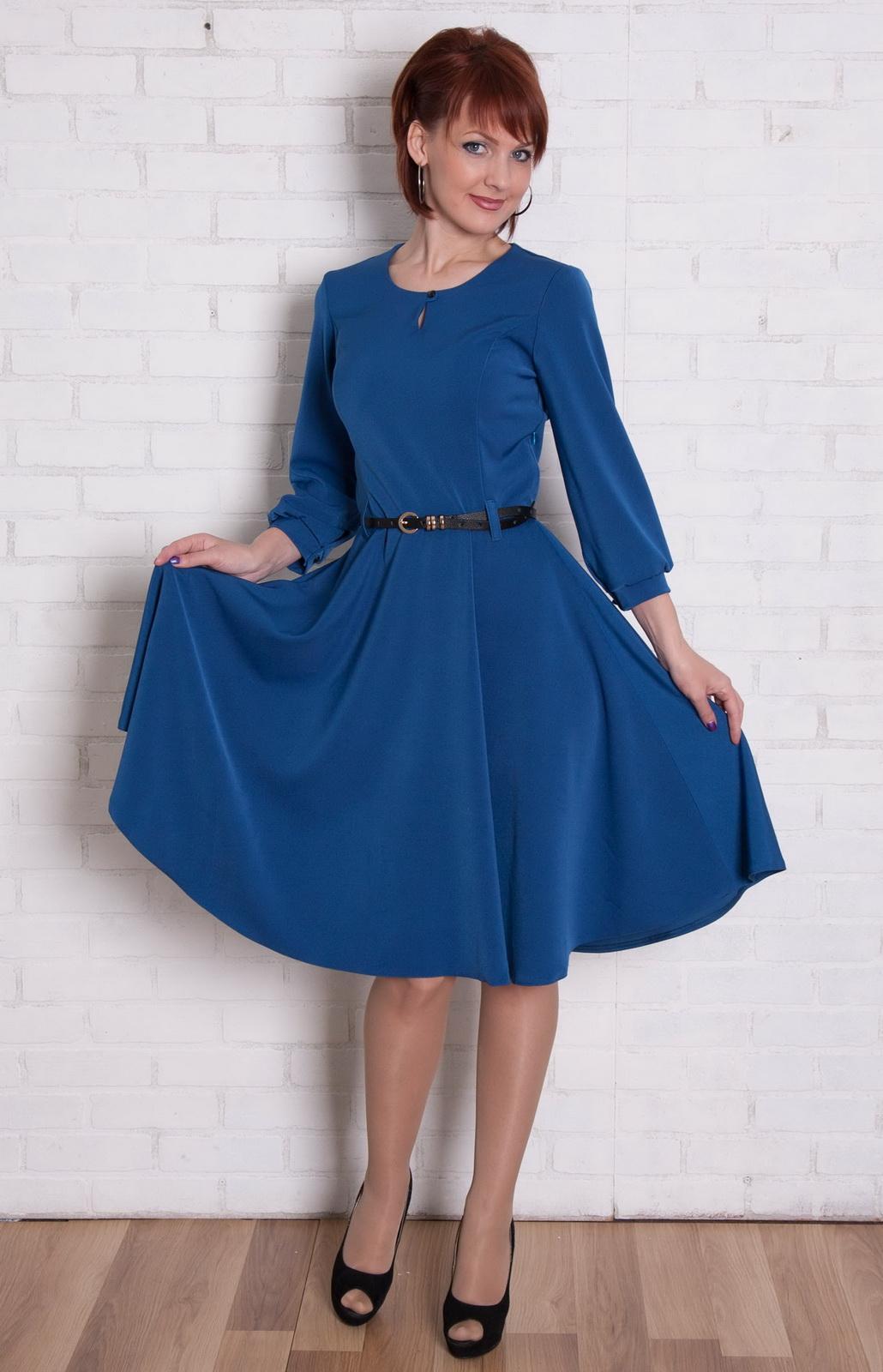Фото платья с отрезной талией и пышной юбкой